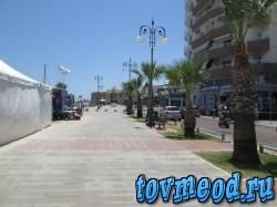 Набережная в городе Ларнака. Кипр